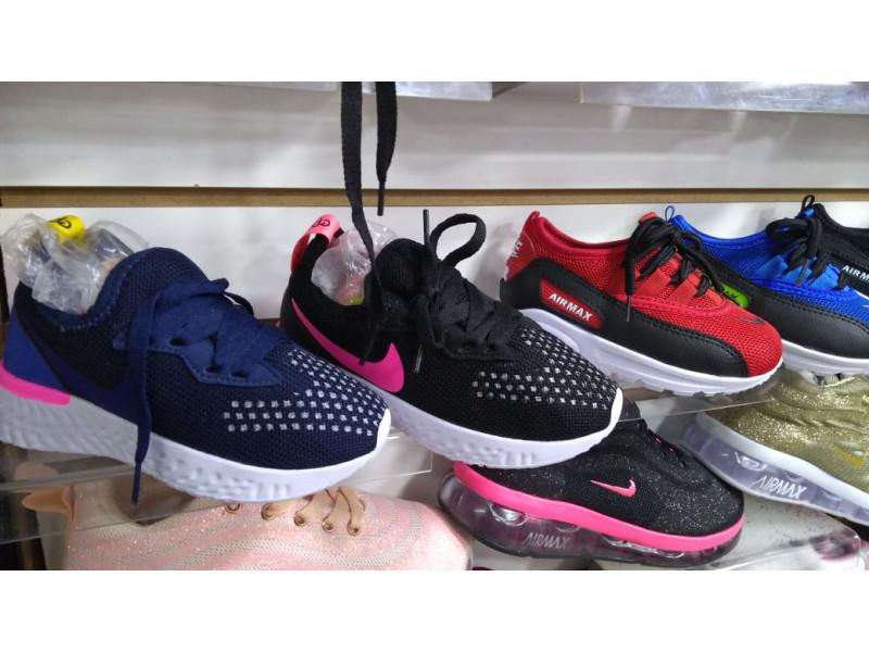 Luces Colores Colegial Calzado Adidas Y Deportivo Cx0q4qtwa Sin Zapato O 34c5ARjqL